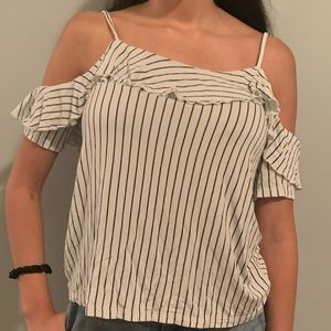 American Eagle Outfitters Tops - AEO Off The Shoulder White & Black Top🎱